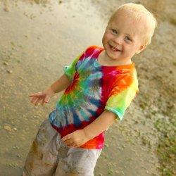 Tips & tricks: 5 solutii naturale pentru a scoate petele de pe hainele copiilor
