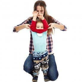 Tips & tricks: 5 trucuri care sa te ajute sa il imbraci mai usor pe cel mic
