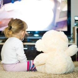 Cat de periculos este televizorul pentru copil