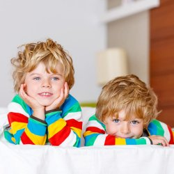 Cum ii pot sprijini parintii pe copii in aceasta perioada in care sunt nevoiti sa stea acasa