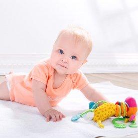 Cum sa alegi cele mai sigure haine pentru bebelusi. Mini ghid pentru mamici