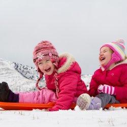 Top 3 haine pentru copii ideale pentru sezonul rece