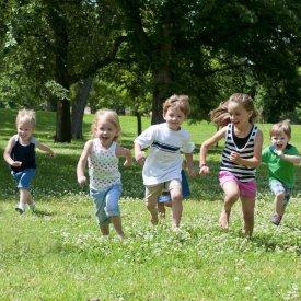 Vara este anotimpul preferat al copiilor. Incurajati copiii cu spirit liber alegand hainute lejere si confortabile de la Liloo!