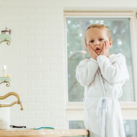 Halatele de baie – nelipsite din garderoba oricarui copil
