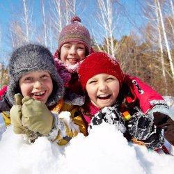 Iarna, anotimpul magic! Cum isi petrec copiii timpul in acest anotimp