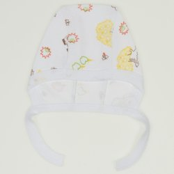 White baby bonnet with animals print