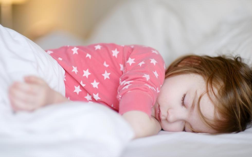 Fetita dormind