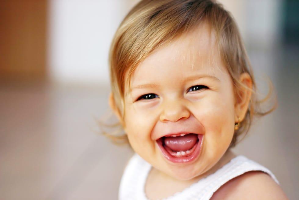 Fetita fericita 1