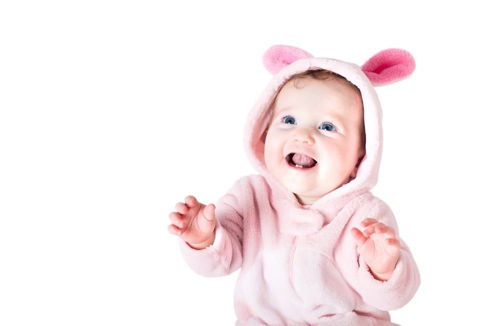 Bebe in costum de iepuras 1